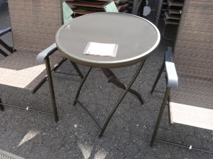 Outdoor Round Folding Table with Glass Top