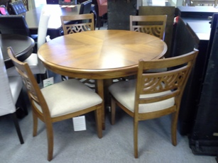 Trellis Pecan Round Dining Set with 4 Chairs