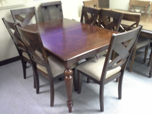 IFM Medium Oak Dining Table with 2 Leaves