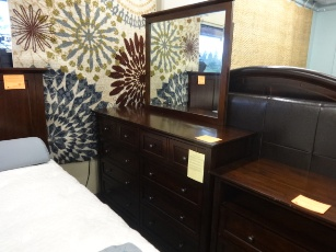 Modus Paragon Truffle Finish 8-Drawer Dresser with Mirror