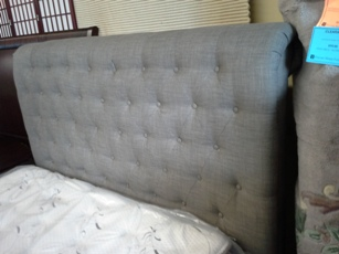 Modus Geneva Royal Silver Tufted Tweed Cal King Sleigh Bed